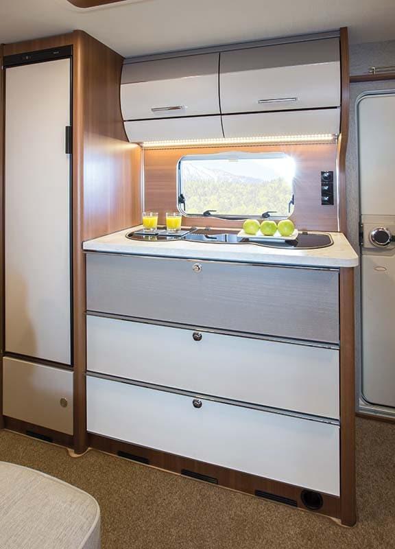 מטבח בקרוואן דגם vivo 532-k