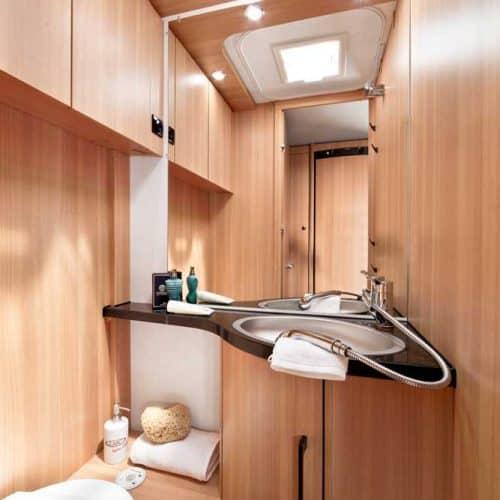 חדר מקלחת בקרוואן style490k_L