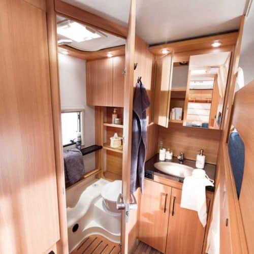 מקלחת ושירותים בקרוואן_style540k_L