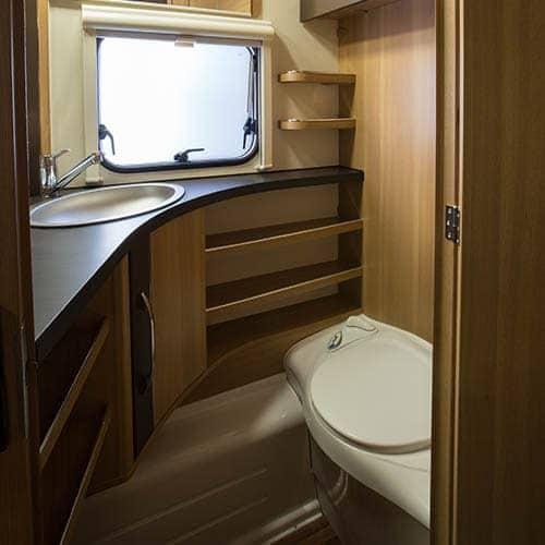 530k חדר שירותים בקרוואן מוזאיקה MG